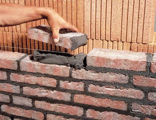 Строительство забора из кирпича своими руками.
